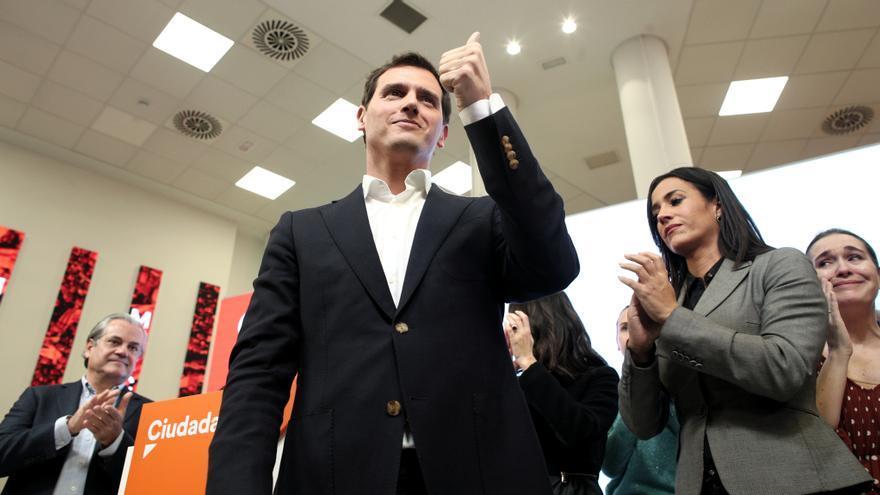 Albert Rivera, junto a Begoña Villacís y Marcos de Quinto, tras anunciar su retirada de la vida política.