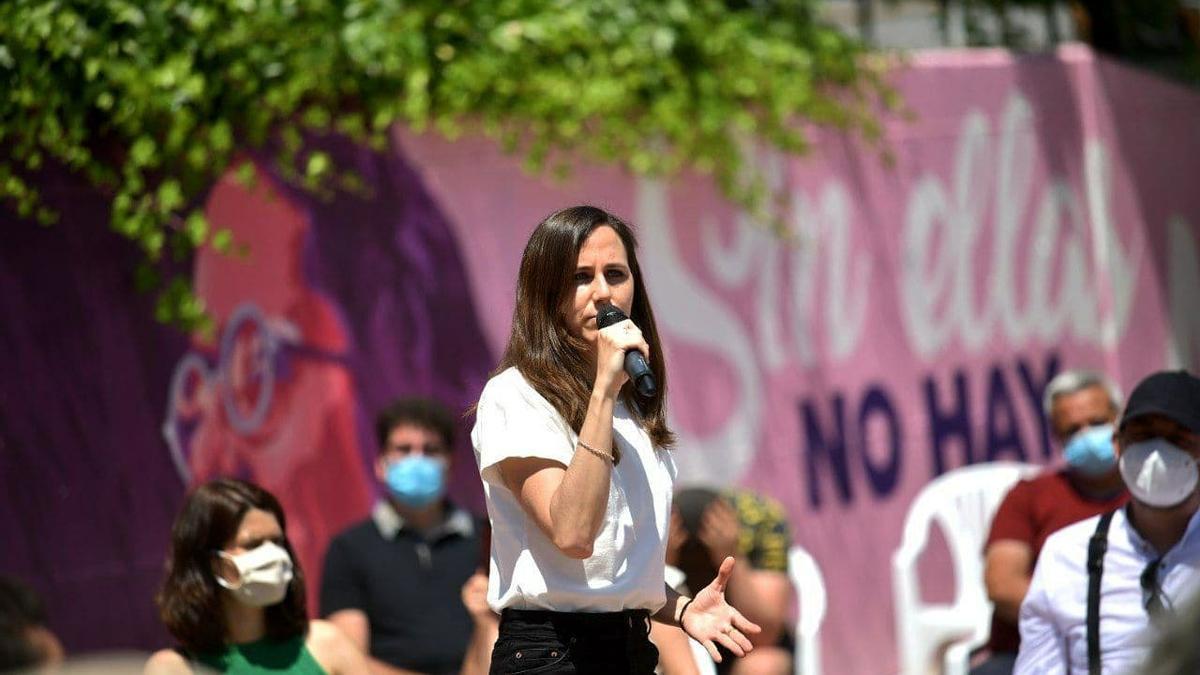 La candidata a la Secretaría General de Podemos, Ione Belarra, durante un acto de campaña en Getafe (Madrid)