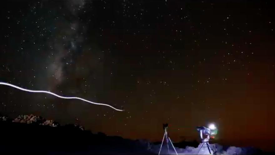Imagen de una ruta nocturna.
