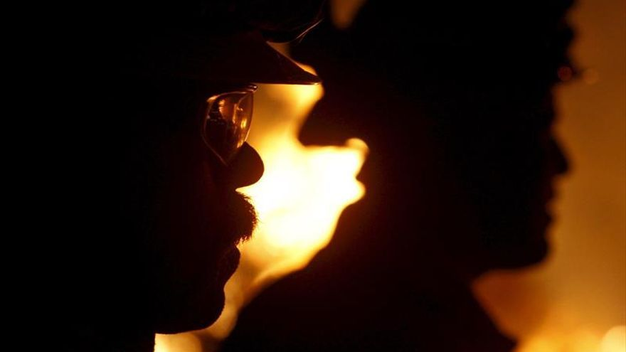 Cientos de evacuados por el incendio en Gran Canaria y 1.000 hectáreas quemadas