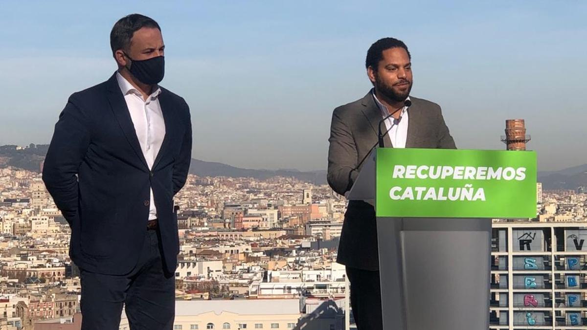 El presidente de Vox, Santiago Abascal, junto al diputado de Vox en el Congresos Ignacio Garriga.