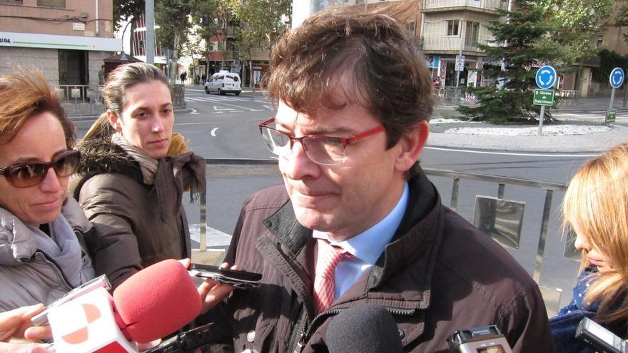 """Fernández Mañueco aboga por """"ir tomando decisiones"""" para """"garantizar el funcionamiento"""" de la Diputación de León"""
