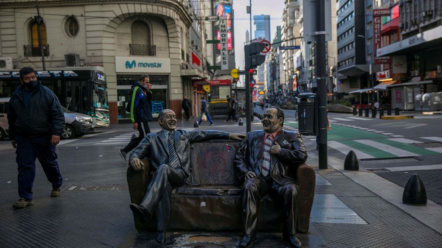 El hombre en la Luna y 1.000 cartas, el origen del Día del Amigo argentino