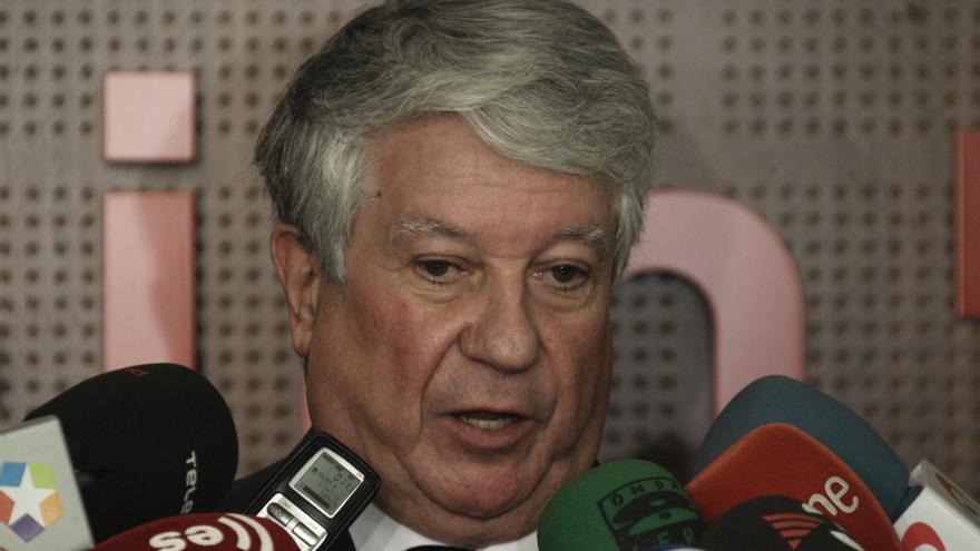 Arturo Fernández pedirá la dimisión de Tezanos como vocal de la Cámara y niega que fuera de su confianza