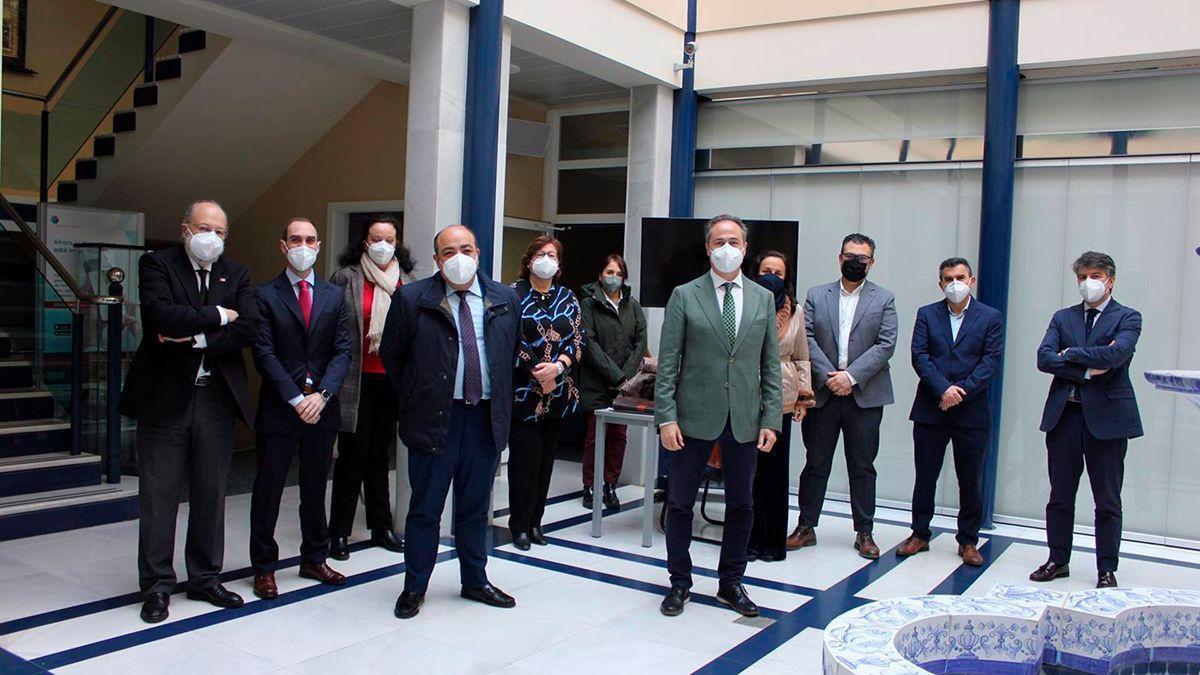 Reunión del Colegio de Abogados y el delegado de Justicia de la Junta de Andalucía.