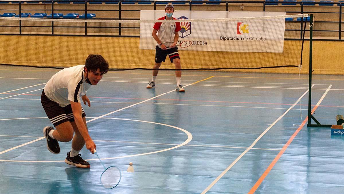 Partido de bádminton de los Juegos Deportivos Bachillerato - UCO