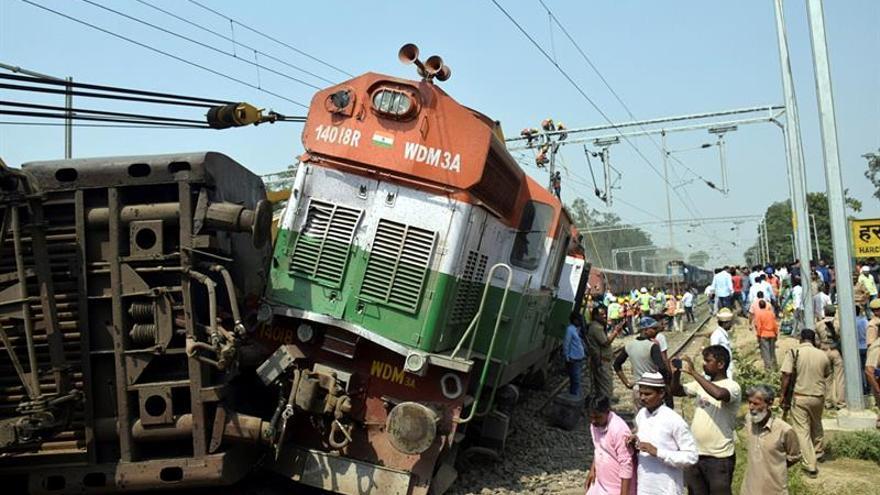 Al menos 6 muertos y 25 heridos al descarrilar un tren en el norte de India