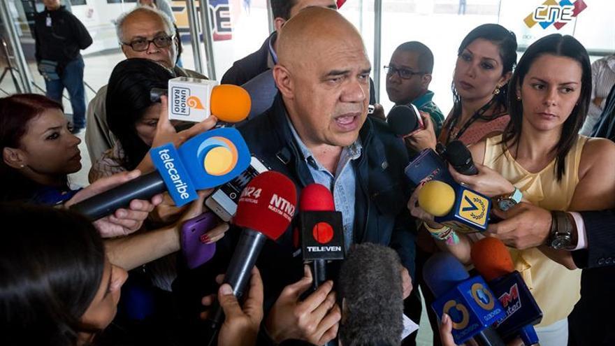 """Oposición venezolana pide no caer en """"operaciones psicológicas"""" del chavismo"""