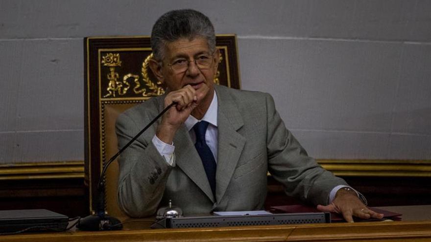 El jefe del Parlamento venezolano afirma que desacatará las sentencias del Supremo
