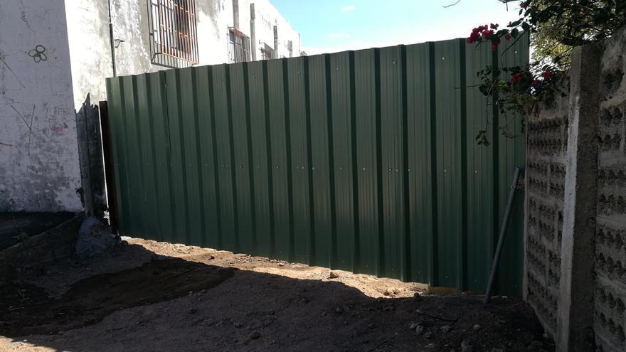 El Cabildo advierte del riesgo de acceder a la zona perimetrada de El Time y denuncia actos vandálicos en la obra para evitar desprendimientos