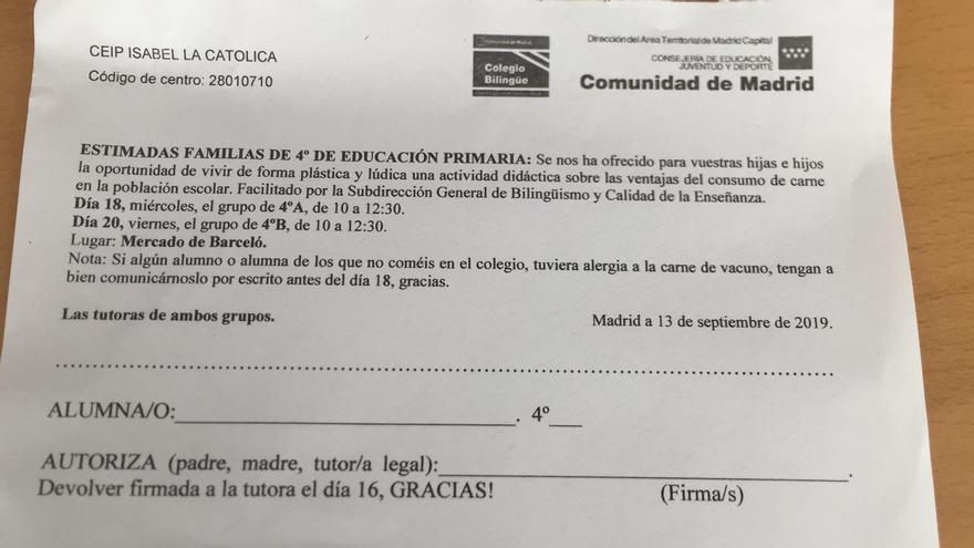 Papel de la autorización que el CEIP Isabel la Católica repartió el pasado viernes entre niños y niñas de 4º de Primaria