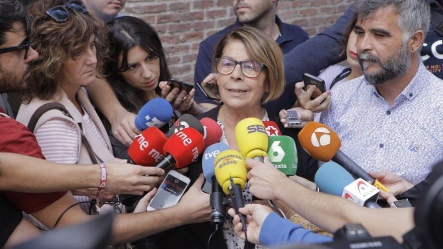 La concejala de Más Madrid en el Ayuntamiento de la capital Inés Sabanés este domingo a su llegada a la asamblea de la plataforma.