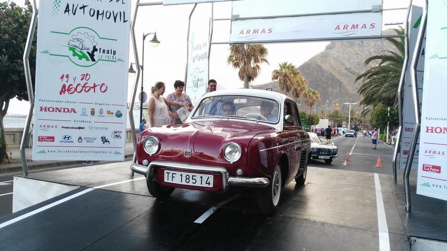 Uno de los vehículos  clásicos que se ha exhibido en la I Feria del Automóvil La Palma. Foto: Facebook Cabildo de La Palma.