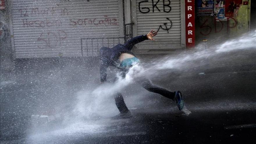 Ankara planea facilitar que los agentes disparen si son atacados en las protestas