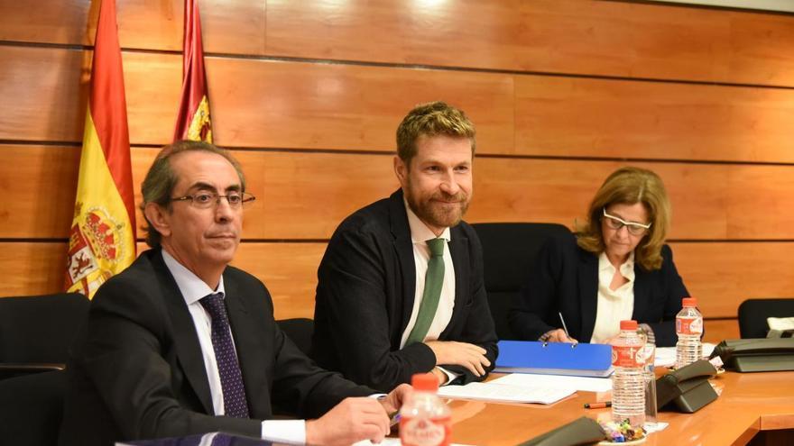 El director general de Planificación Territorial y Sostenibilidad, Javier Barrado comparece en la Comisión de Fomento en las Cortes. FOTO: JCCM