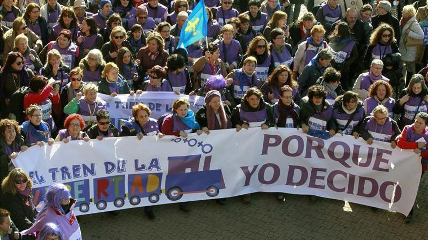 Miles de personas se manifiestan en Madrid en contra de la reforma del aborto
