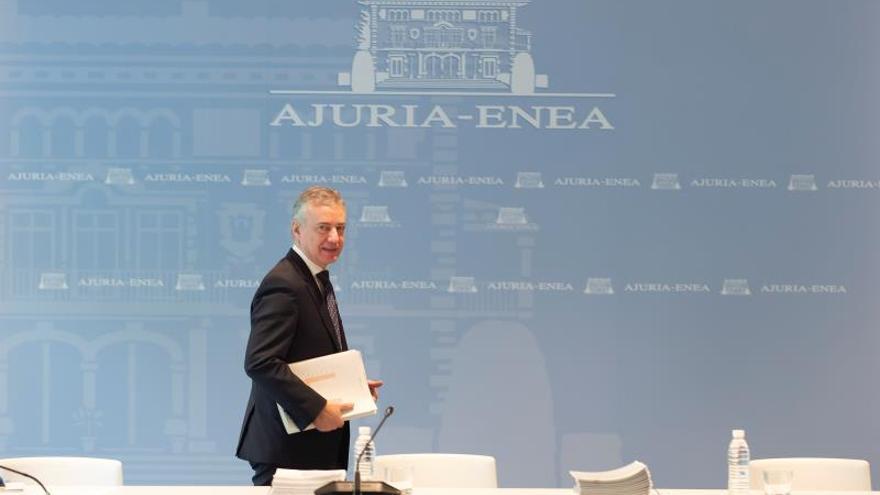 Imagen cedida por el Gobierno Vasco del lehendakari, Iñigo Urkullu, quien ha presidido este viernes en Vitoria la reunión del comité asesor que le asiste como director único del Plan de Protección Civil de Euskadi.
