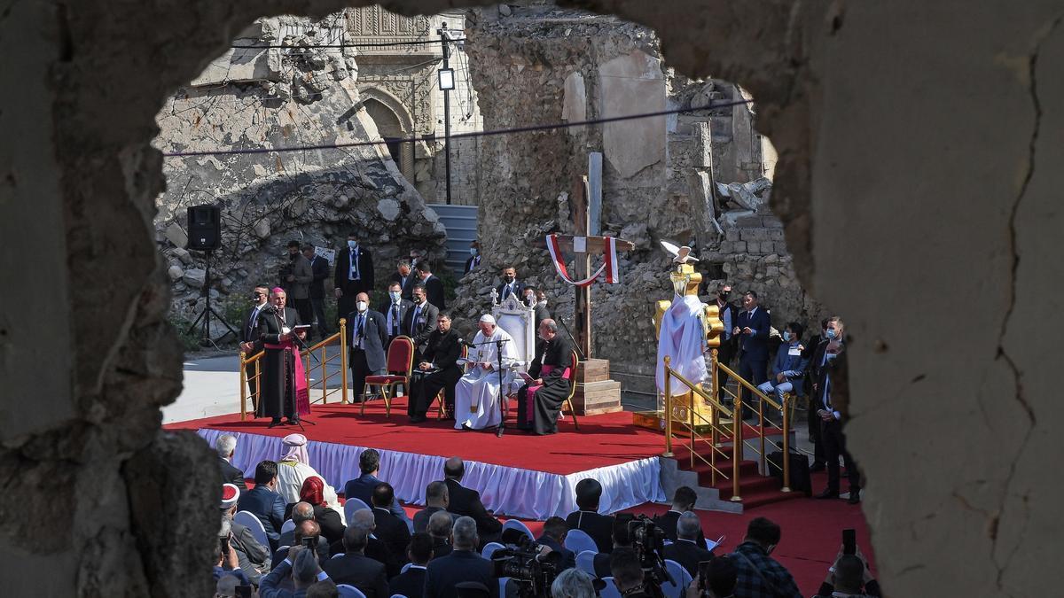 Mosul (Iraq), 07/03/2021.- Pope Francis attends a prayer for EFE/EPA/ALESSANDRO DI MEO