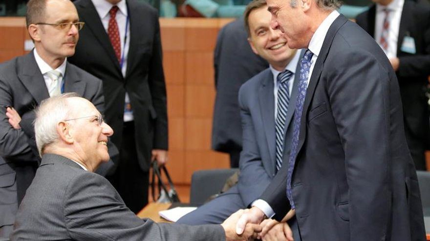 De Guindos espera que el resultado en EEUU permita mantener la colaboración con la UE