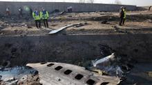 Los servicios de inteligencia de EEUU y Canadá apuntan a Irán como posible responsable de derribar el avión estrellado en Teherán