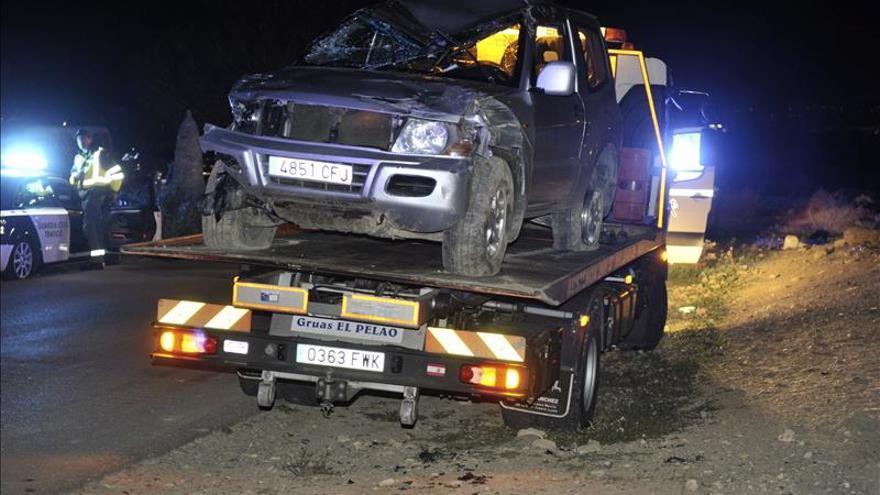 Una mujer muerta y 3 heridos al colisionar un turismo y un coche de caballos