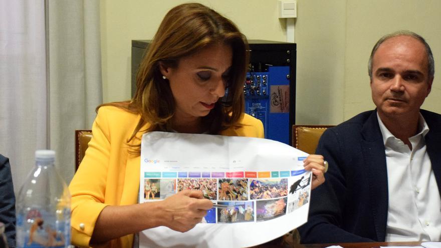 Gladis de León, concejala de Fiestas en Santa Cruz, en la Comisión de Control de este jueves