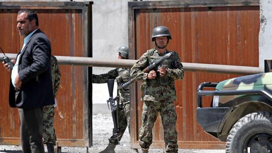Al menos 5 muertos y 13 heridos en los ataques de dos suicidas en Kabul