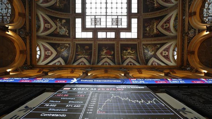 La Bolsa española sube un 0,89 % al inicio y se acerca a los 9.800 puntos