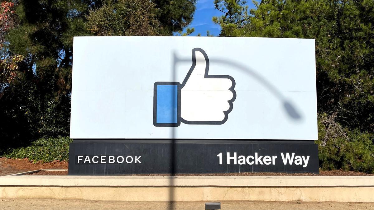 Vista de la sede de Facebook en Menlo Park, California.