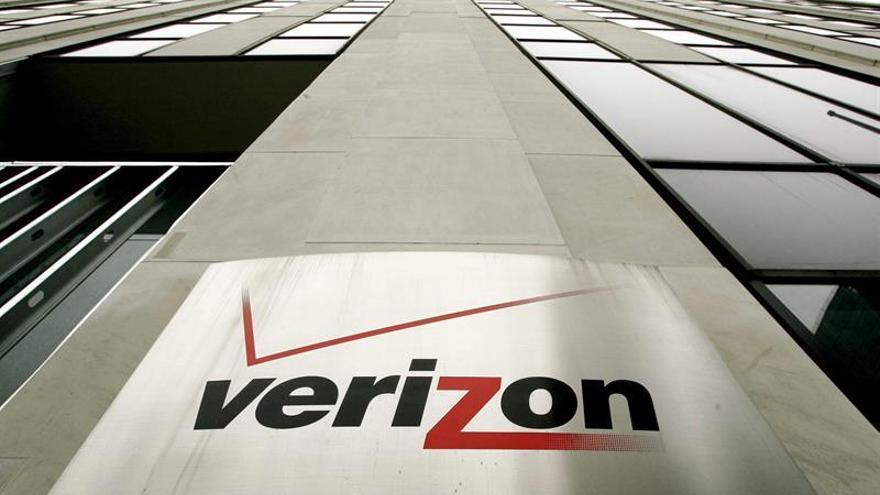 Bajan un 40,7 % los beneficios semestrales de la firma estadounidense Verizon