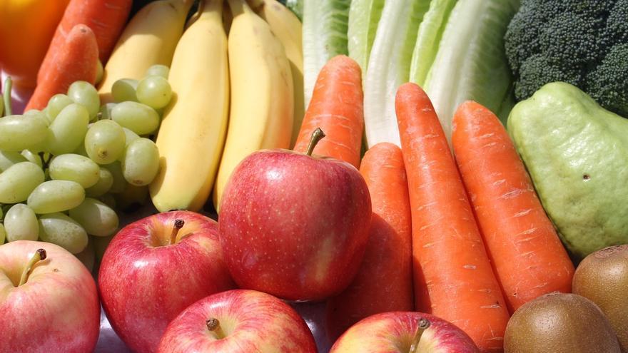 Por qué la fruta no puede sustituir a la verdura