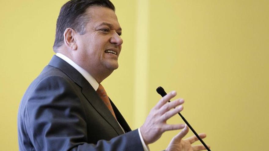 Encuesta da ventaja al oficialista Johnny Araya para las elecciones en Costa Rica