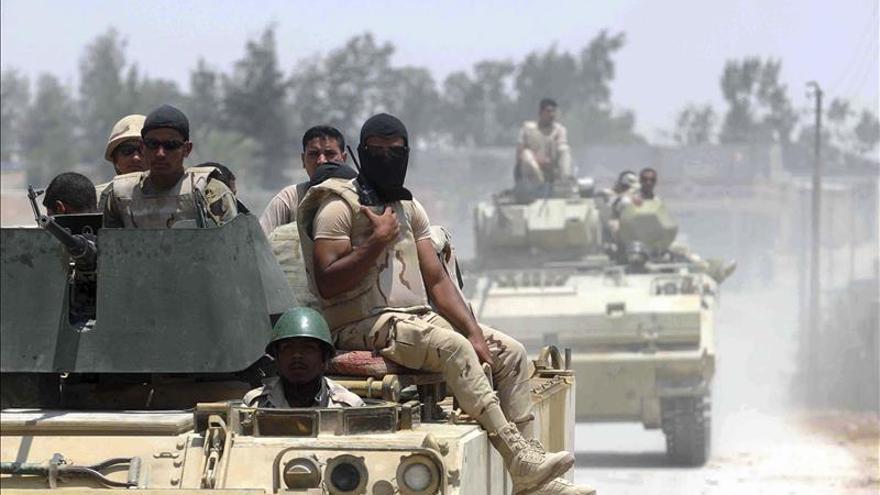Mueren dos terroristas en una redada del Ejército egipcio en norte del Sinaí