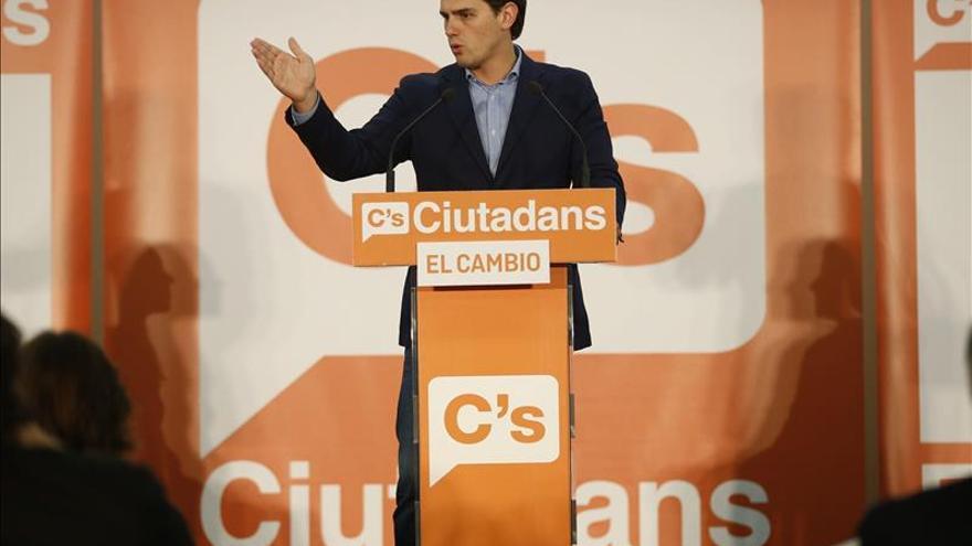 Rivera llama al voto de los indecisos de PP y PSC para echar al nacionalismo