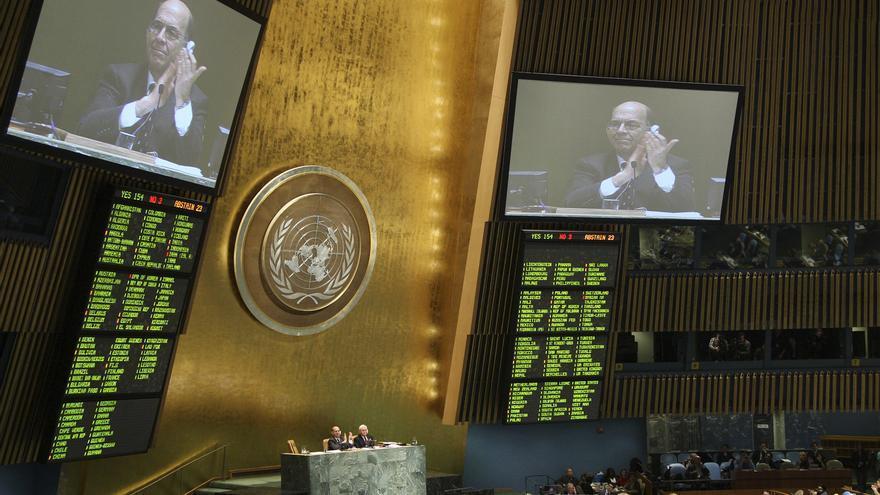 Imagen de la votación de Naciones Unidas sobre el Tratado de Armas en 2013. UN Photo/Devra Berkowitz