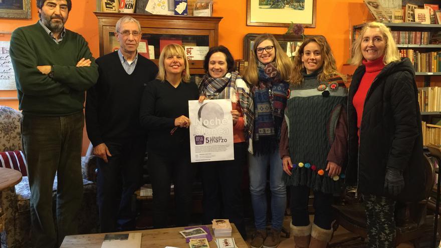 Representantes de la Asociación del Barrio del Buen Vivir presentan la primera edición de la Noche Blanca.