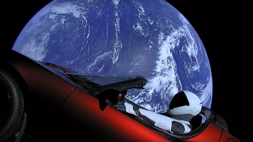 El coche puesto en órbita por Tesla y Space X | Youtube