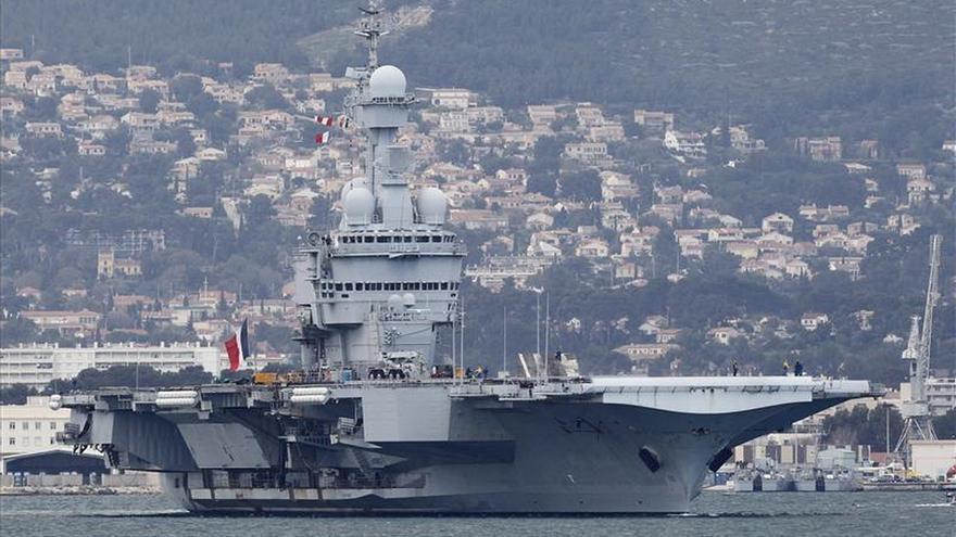 El portaaviones francés zarpa el día 18 para combatir el EI en Siria e Irak