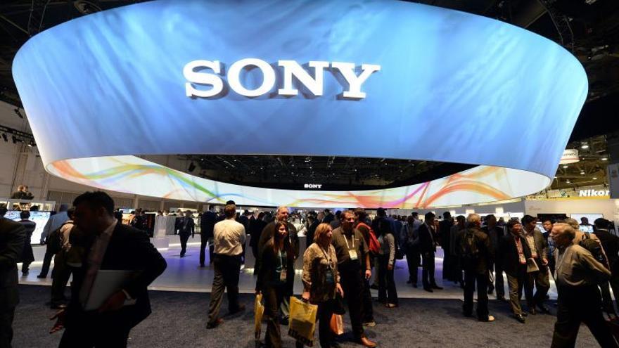 Sony cae casi un 3 % tras ser rebajada a bono basura por Moody's