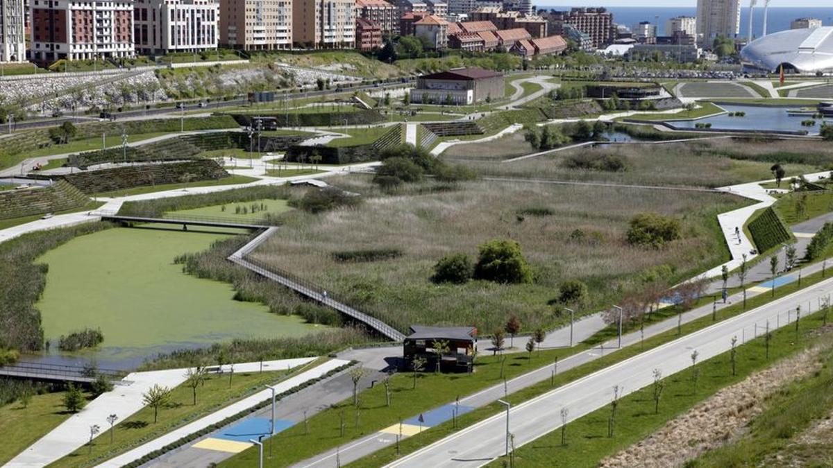 I Fase del Parque de las Llamas en Santander, bajo diseño del estudio de Batlle i Roig.