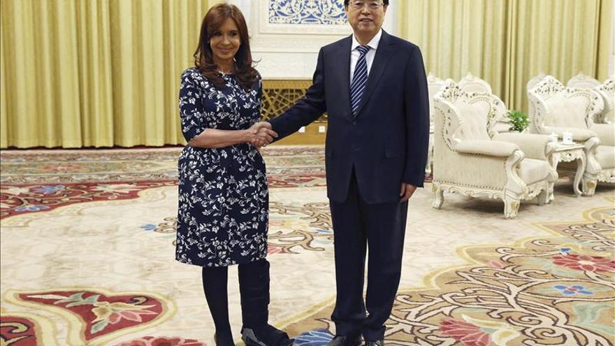 Fernández cierra su visita a China y señala la sintonía en foros internacionales