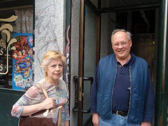 Fernando y Amparo, memoria viva de la plaza | LUIS DE LA CRUZ