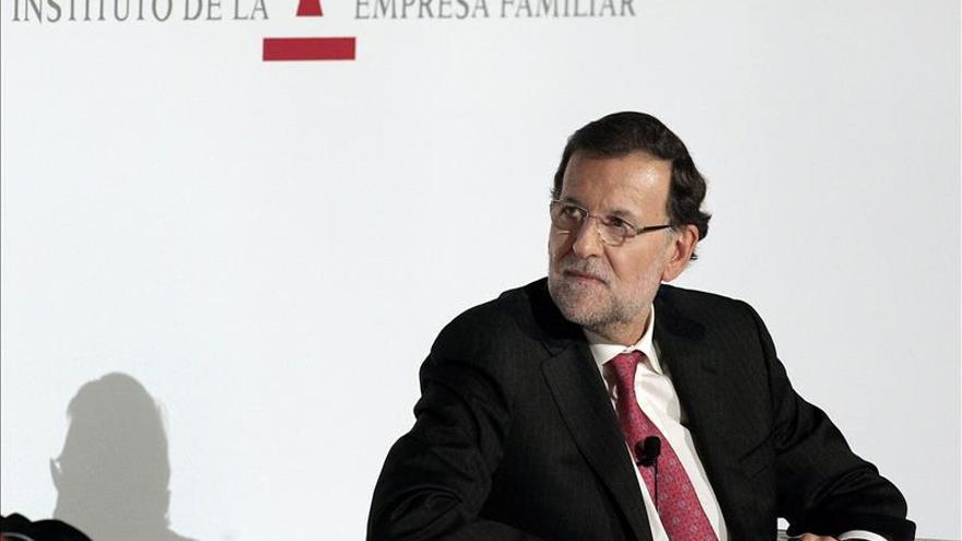 Rajoy, abierto al cambio constitucional pero ve insuficiente un pacto PP-PSOE