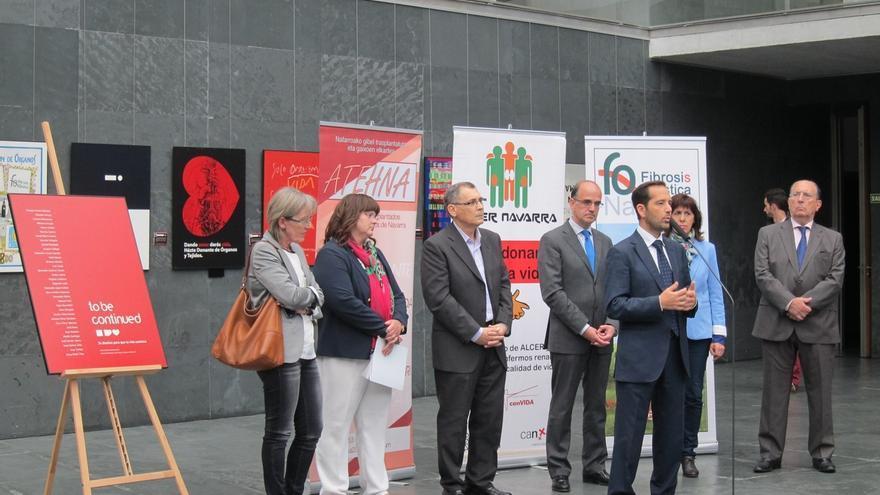 Artistas gráficos llaman a la donación de órganos en la exposición 'To be continued...', instalada en el Parlamento