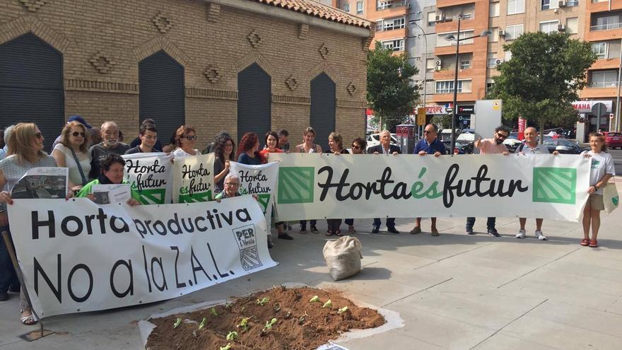La protesta para solicitar la reversión de los terrenos de la ZAL