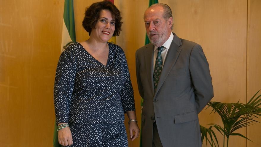 Villalobos analiza con la alcaldesa de Alanís la situación municipal