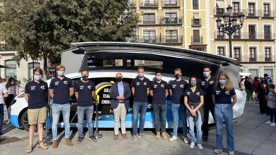 'Stella vita': la autocaravana solar ideada por jóvenes que está recorriendo España