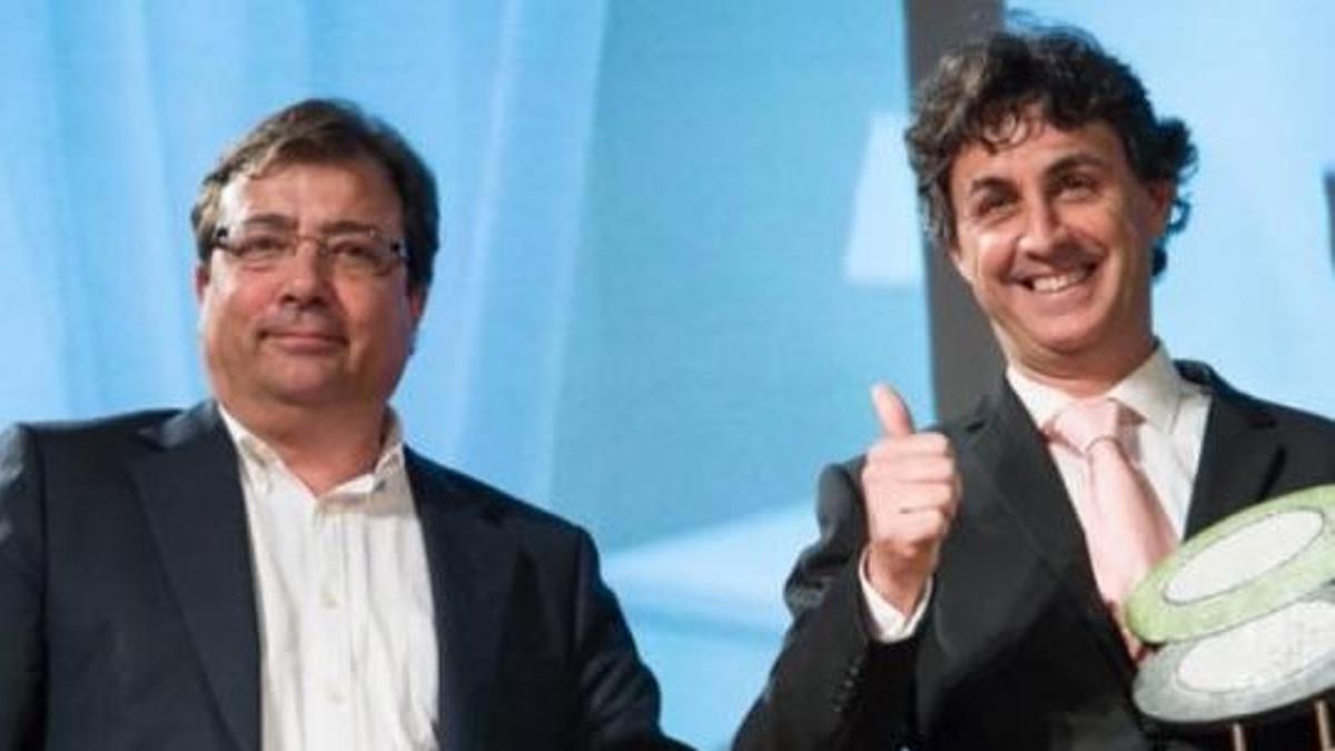 Nacho Lozano, presidente de la asociación de turismo Norte de Extremadura, con el presidente de la Junta