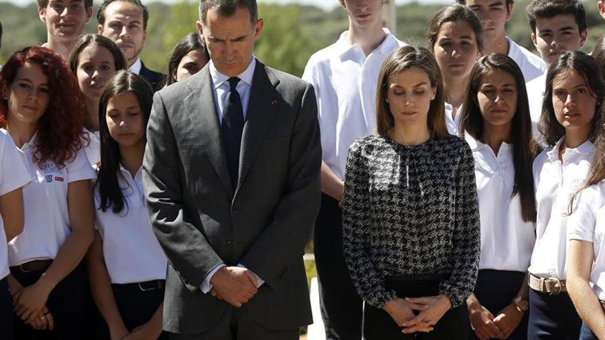 El Rey, el Gobierno y los líderes políticos repudian el atentado de Niza