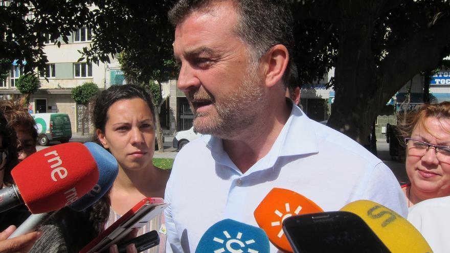 """Maíllo (IULV-CA) insiste en ofrecer """"diálogo"""" ante la investidura de Susana Díaz"""
